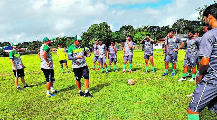 O Boto está sob nova direção: Flávio Goiano assumiu o time