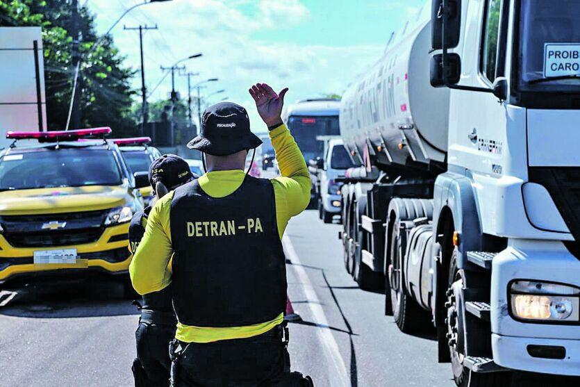 Imagem ilustrativa da notícia: Fluxo de saída de Belém é intenso por causa do feriadão