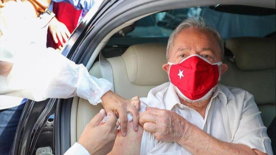 Imagem ilustrativa da notícia: Lula toma a 2º dose da vacina contra a Covid-19