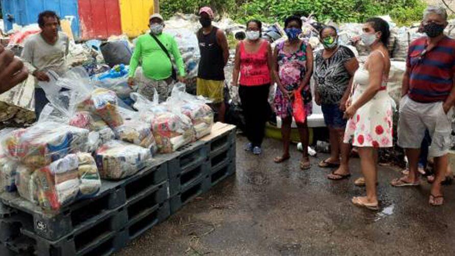 """Imagem ilustrativa da notícia: """"Casa Preta"""" faz campanha para arrecadar alimentos"""