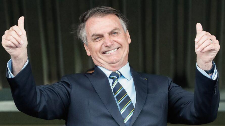 Enquanto brasileiro não consegue comprar um quilo de carne, presidente gasta milhões em 15 dias.
