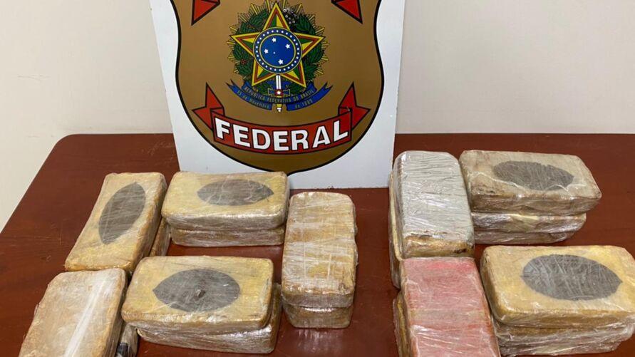 Imagem ilustrativa da notícia: Homem é preso com 18 kg de drogas dentro de carro em Redenção