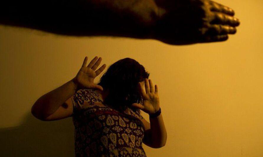 Imagem ilustrativa da notícia: Denúncias de violência contra a mulher somaram mais de 105 mil denúncias em 2020