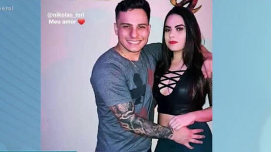 Imagem ilustrativa da notícia: Homem mata namorada após biquíni dela abrir sem querer