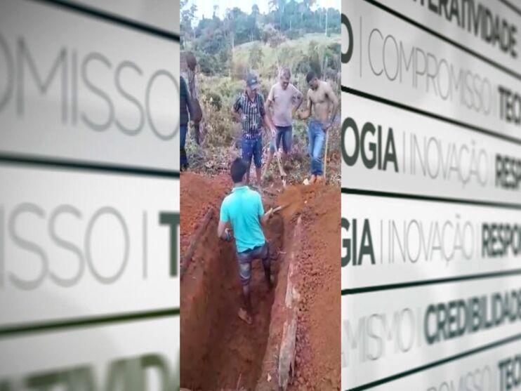 Imagem ilustrativa da notícia: Pai cava sepultura de filho por falta de funcionários em cemitério paraense. Veja o vídeo!