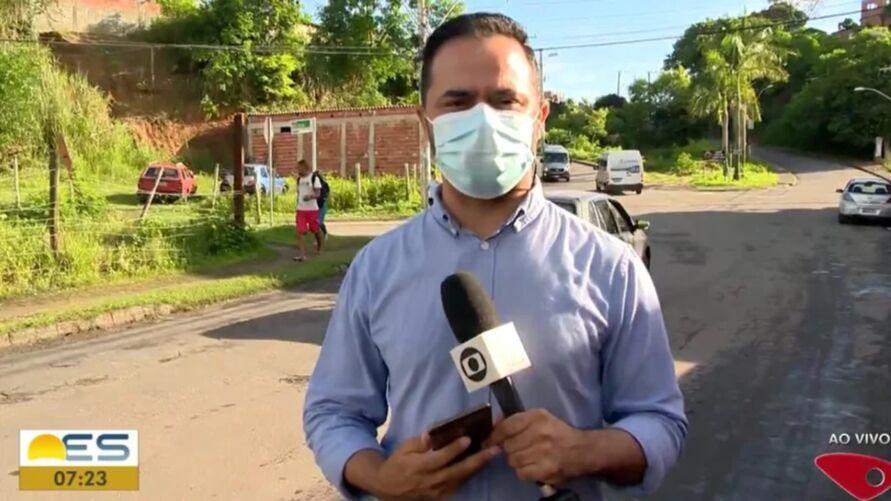Imagem ilustrativa da notícia: Repórter é ameaçado por criminoso durante reportagem ao vivo