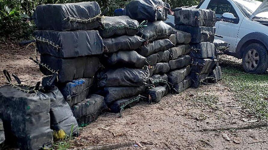 A droga foi conduzida pela equipe da Divisão de Repressão ao Crime Organizado (DRCO), onde estão sendo realizados os procedimentos devidos.