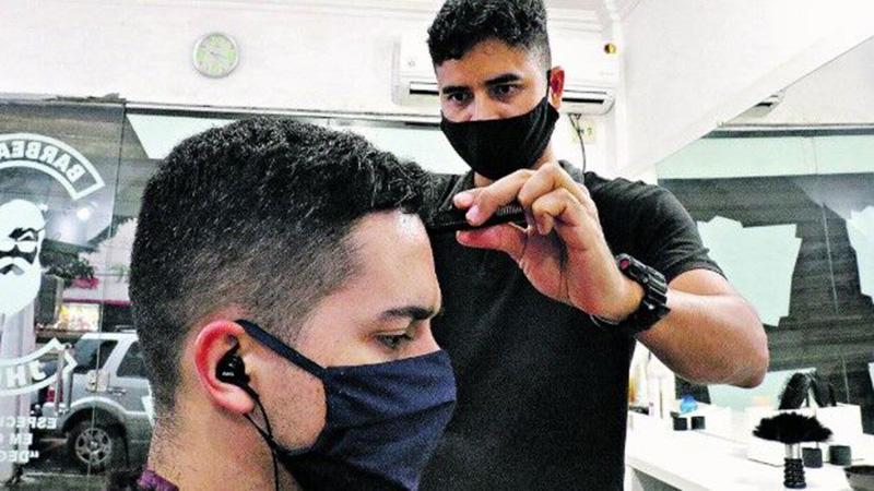 O cadastro é para manicure, pedicure, cabeleireiro, barbeiro, esteticista e maquiadores