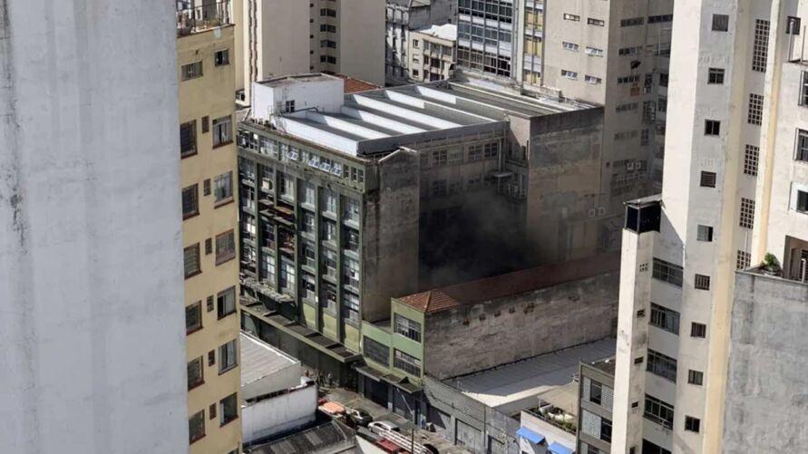 Redação fica localizada no prédio atingido pelo fogo