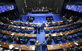 Imagem ilustrativa da notícia: Senado aprova PEC que prevê até R$ 44 bi para novo auxílio emergencial
