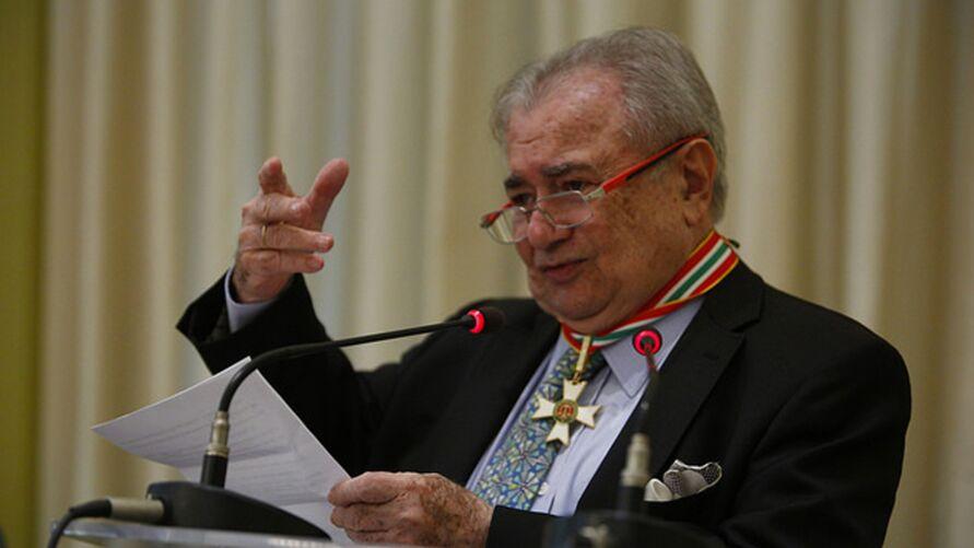 Imagem ilustrativa da notícia: Jurista Zeno Veloso morre de covid-19 em São Paulo