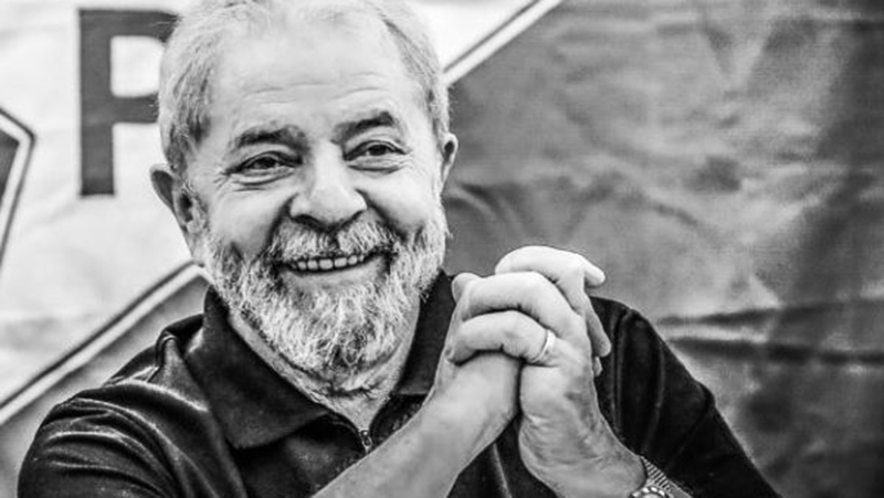 Lula deixou de ser ficha suja e está liberado para disputar eleições