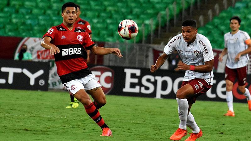 Imagem ilustrativa da notícia: Fluminense vence Flamengo no Maracanã com golaço