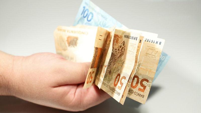 Imagem ilustrativa da notícia: Governo confirma parcela de R$ 250 e vai publicar MP nesta sexta (12)
