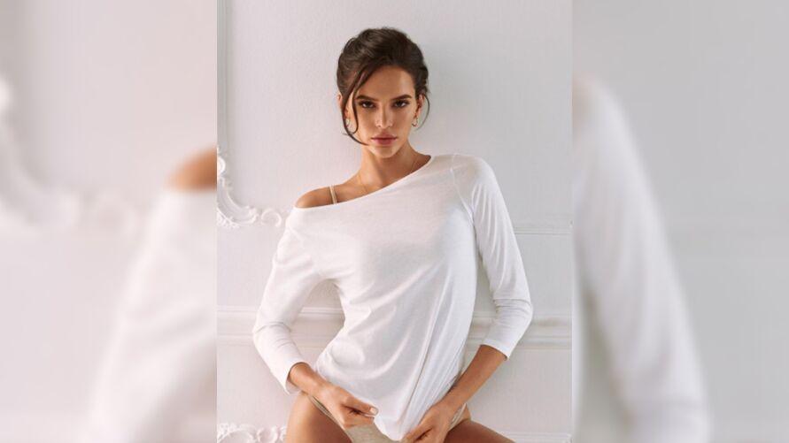 """Imagem ilustrativa da notícia: Bruna Marquezine comenta sobre gravidez: """"meu anjo de luz"""""""