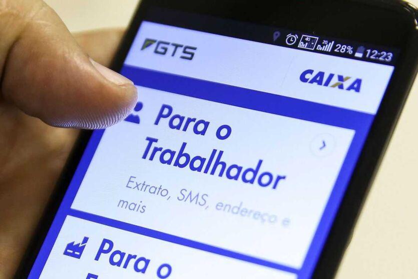 Imagem ilustrativa da notícia: Nova leva do Saque-Aniversário já está disponível. Veja quem pode sacar a quantia