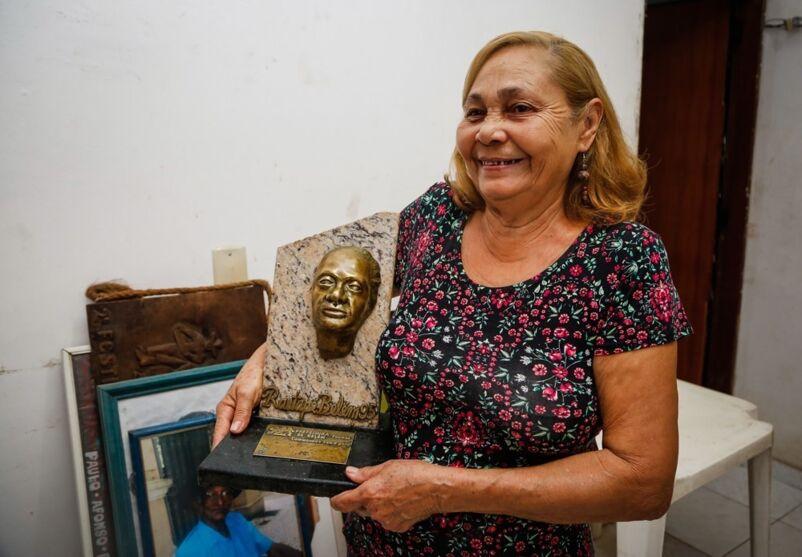 Imagem ilustrativa da notícia: Viúva de Verequete, Mestre Cenira, morre após Covid-19