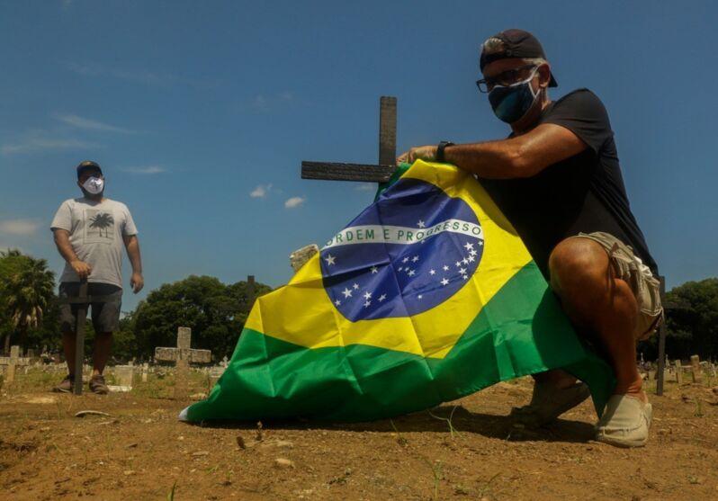 Imagem ilustrativa da notícia: Brasil é responsável por mais de 10% das mortes por Covid-19 no mundo, afirma pesquisa da Fiocruz