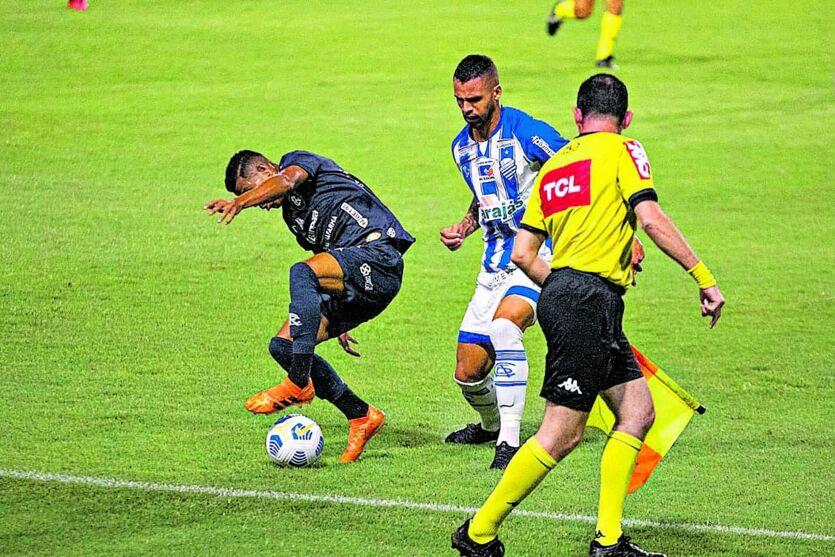 Paysandu jogou em casa contra o CRB, mas perdeu de virada
