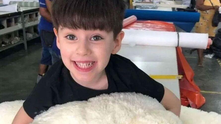 Henry Borel, de apenas 4 anos, foi encontrado morto no dia 8 de março dentro da casa onde morava a mãe e o padrasto.