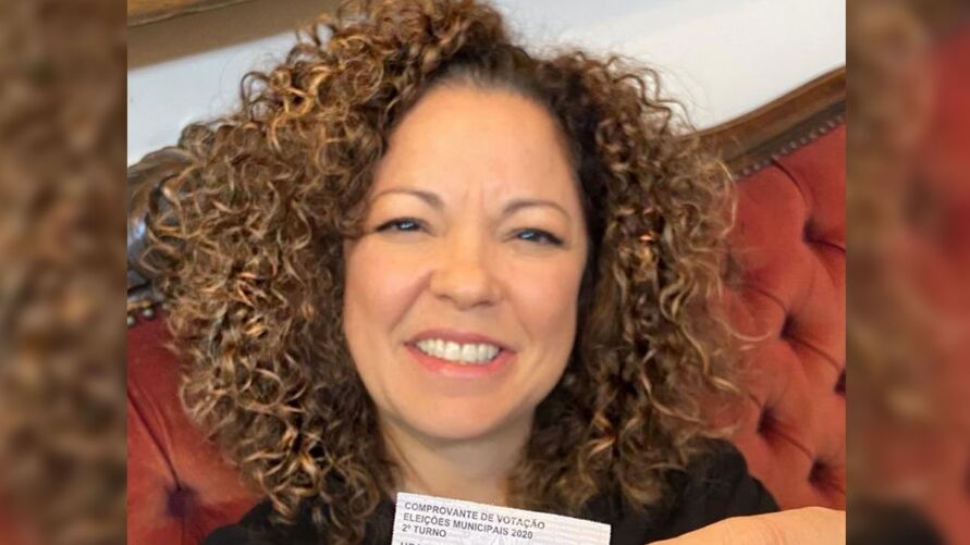 Ursula é jornalista e secretária de saúde do Estado.