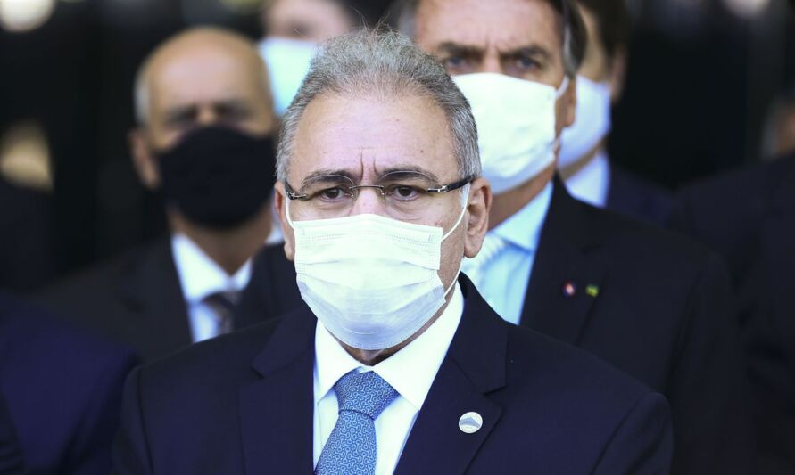 Segundo Queiroga, o governo aposta na vacinação em massa como ação primária contra a pandemia
