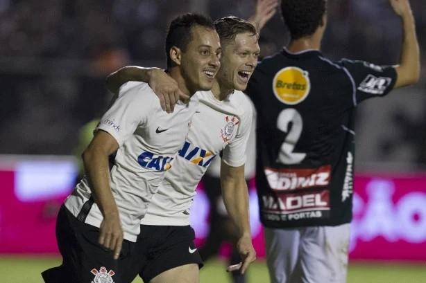 Ao lado de Rodriguinho, Marlone teve boa passagem no Corinthians em 2017.