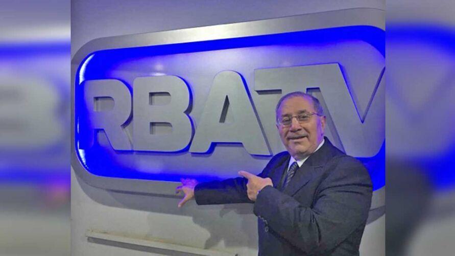 O apresentador da RBATV, Ronaldo Porto, está internado em um hospital, após complicações da covid-19.