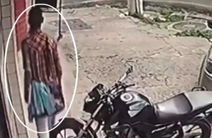 Imagem ilustrativa da notícia: Câmera registra furto de celular em cursinho de Belém. Veja!
