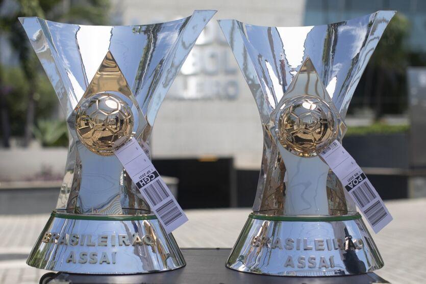 Imagem ilustrativa da notícia: CBF envia taças de campeão brasileiro para São Paulo e Porto Alegre