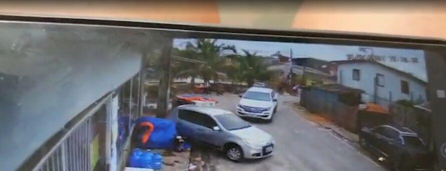 O confronto ocorreu na rua Caraparu