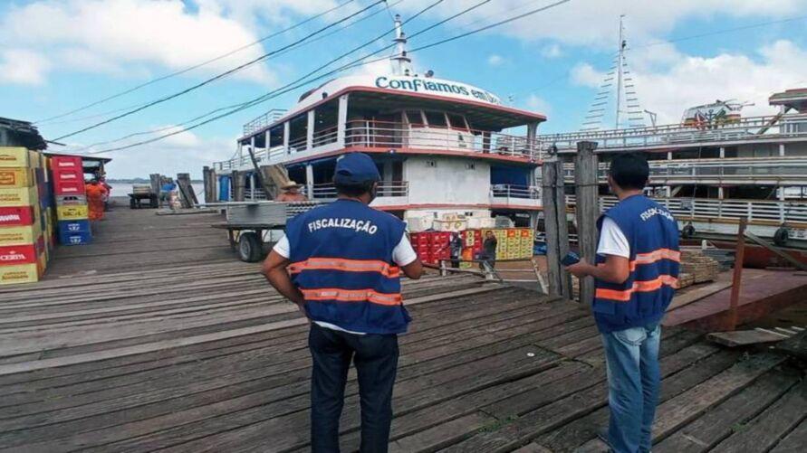 Fiscais da Agência de Regulação e Controle dos Serviços Públicos do Pará (Arcon) integram as fiscalizações em portos de Belém