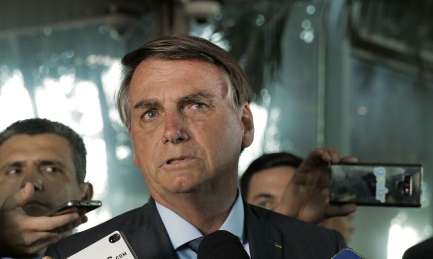 Bolsonaro vai aderir a a vacinação nacional contra o coronavírus.