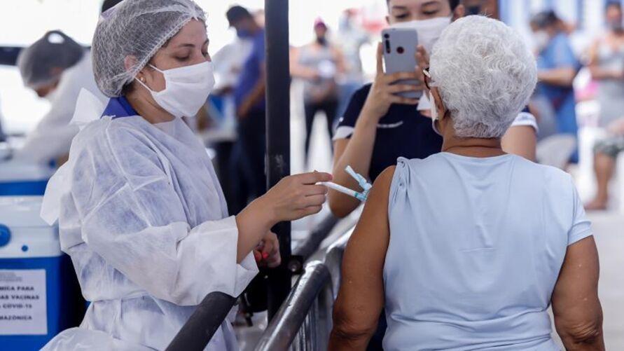 Imagem ilustrativa da notícia: Belém divulga datas de vacinação contra a covid-19 de idosos de 69 e 68 anos. Confira