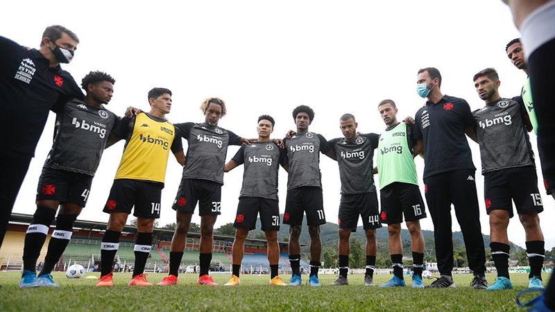 Imagem ilustrativa da notícia: Vasco aposta em reforços para desencantar contra o Botafogo