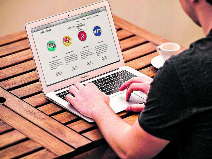 O profissional UX deve ter um bom entendimento de marketing e design de produtos