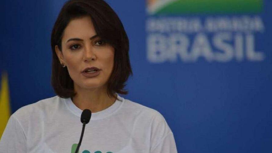 Michele Bolsonaro: irmão foi nomeado a cargo no Senado para ganhar R$ 13,5 mil por mês.