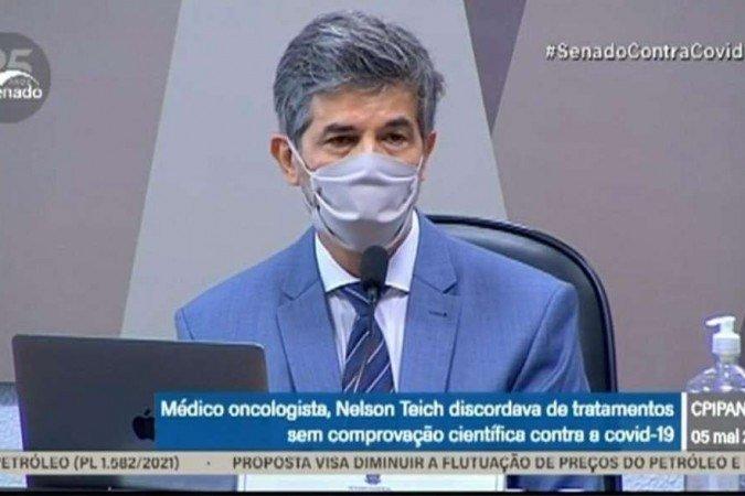 Teich diz que saiu por divergência sobre cloroquina e falta de autonomia.