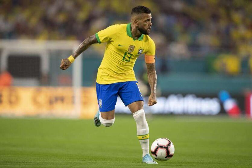 Daniel Alves é a novidade entre os convocados da Seleção Olímpica.
