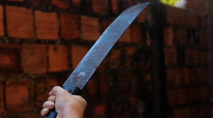 Imagem ilustrativa da notícia: Homem tenta matar o outro comterçadada no rosto