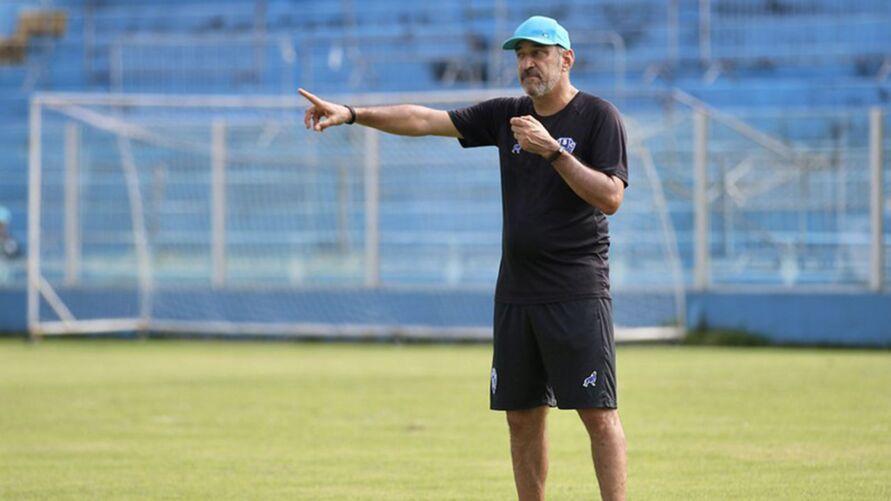 Técnico espera melhor postura para o time bicolor vencer fora de casa