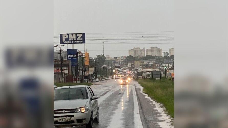 Imagem ilustrativa da notícia: Rio Uriboca transborda e BR-316 congestiona. Veja o vídeo!