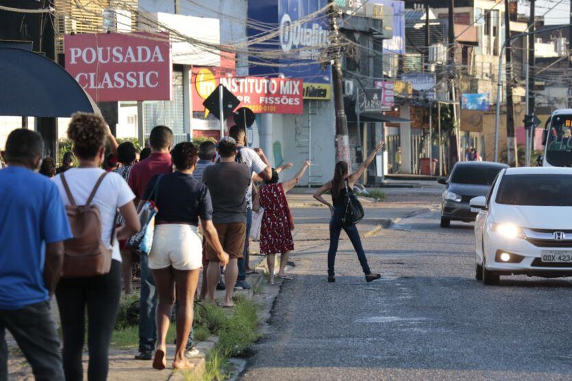 Imagem ilustrativa da notícia: Veja a movimentação no primeiro dia da greve dos rodoviários