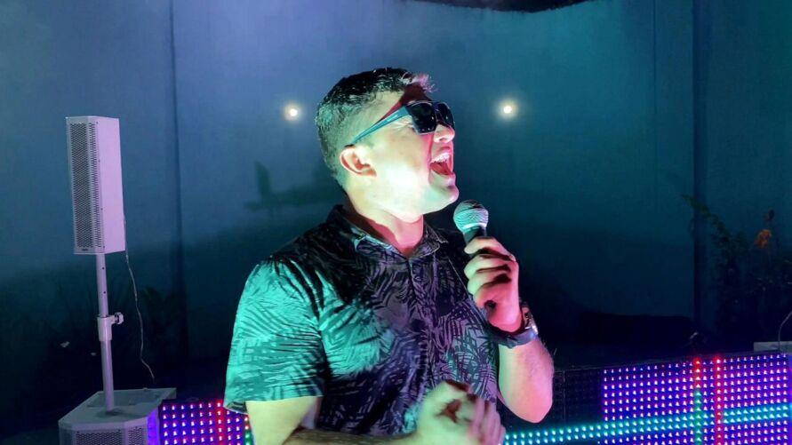 Dilsinho Nóbrega lança seu primeiro EP em carreira solo