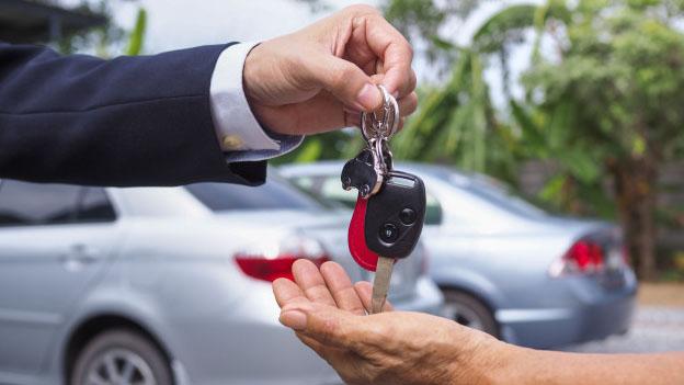 Para ter um venda tranquila, é preciso manter seu veículo regular e sem dívidas, além de outras dicas.