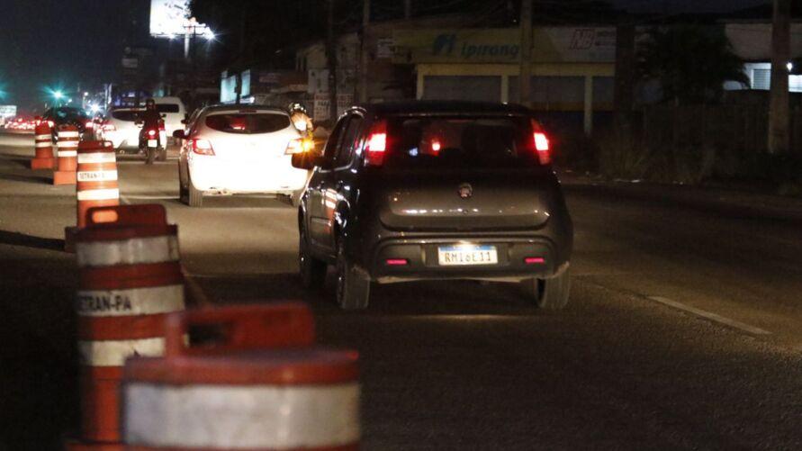 Engarrafamento foi registrado entre Benevides e Ananindeua, na noite deste domingo (6)