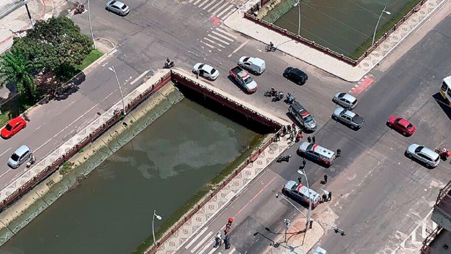 Assaltante fez dois reféns na Avenida Doca de Souza Franco, em Belém