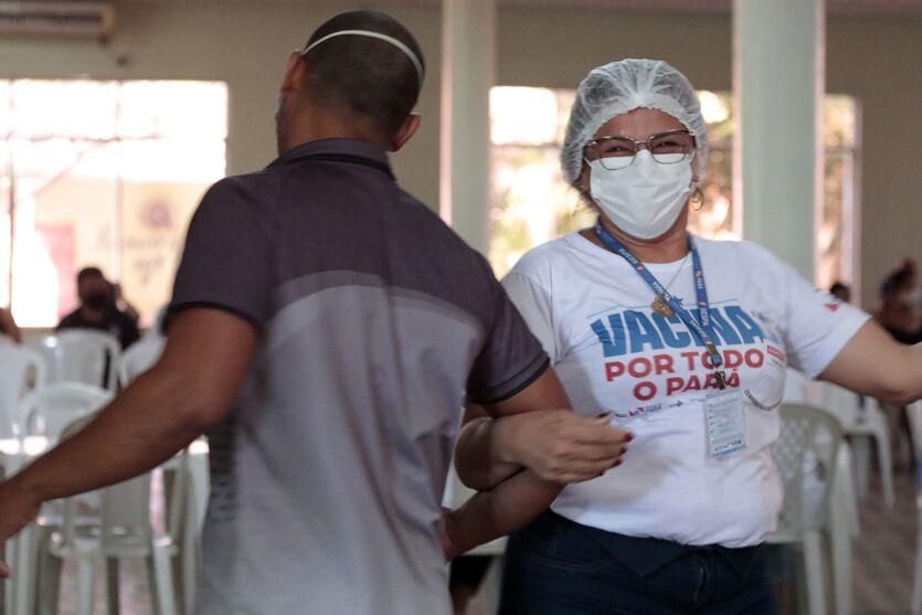 Imagem ilustrativa da notícia: Veja imagens da vacinação neste domingo (20) em Belém