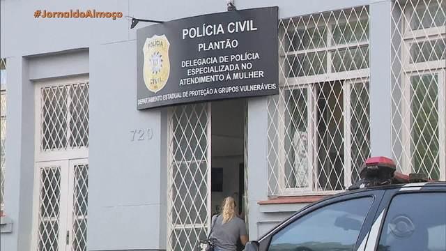 A mulher, que teve a identidade preservada, sofria violência doméstica e pediu ajuda à Brigada Militar, como é chamada a polícia militar no RS.