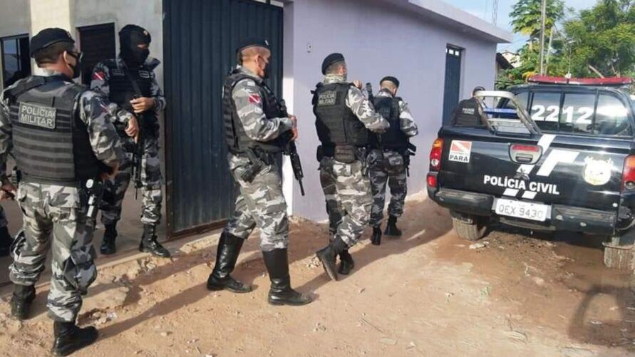 As prisões foram efetuadas no início da manhã desta quinta-feira (13), no bairro do Aeroporto Velho, área central da cidade